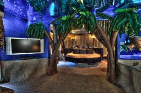 theme hotel in illinois there s a themed hotel in illinois you ll absolutely love
