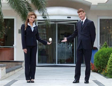 lavoro cameriere pisa lavoro per 500 fra hostess e steward in occasione di expo