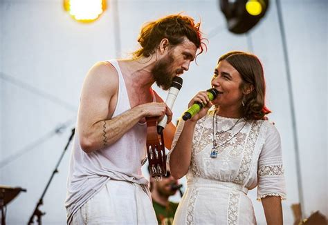 edward sharpe and the magnetic zeros jade castrinos