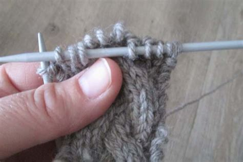 c6b knitting how to knit the cable stitch without a cable needle