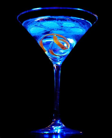 martini liquor cammi lee events party ideas signature drink ideas by color