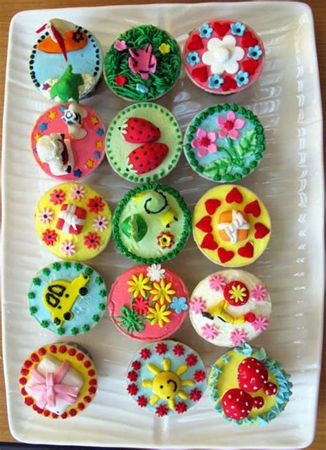 Decorating Ideas For Cupcakes Ideas For Decorating Cupcakes Decoration Ideas