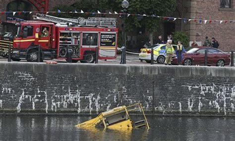 duck boat sank youtube duck boat sinks june 2013