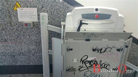 sedie per disabili per scendere scale monta scale di via torpisana fuori uso quot disabili presi in