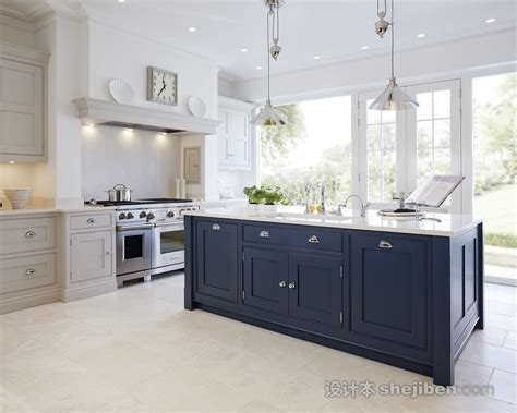 美式风格厨房中岛台装修效果图 设计本装修效果图