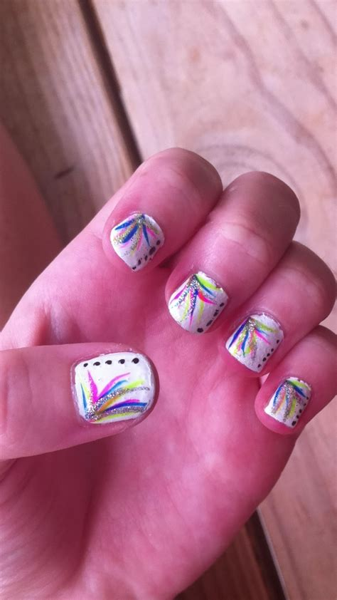 easy pattern for nails 74 best nails images on pinterest nail scissors cute