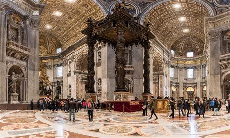 baldacchino di san pietro basilica di san pietro in vaticano fotografie italiane