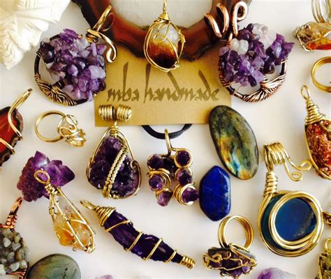 Handmade Tips - tips to choosing unique handmade jewelry that will suit