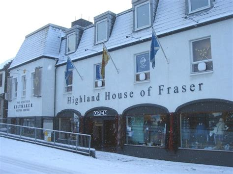highland house of fraser snowy picture of