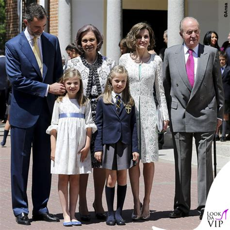 casa reale spagnola famiglia reale di spagna prima comunione leonor look da vip