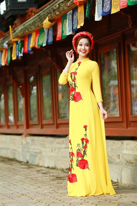 rus ao 2016 10 of the world s most exotic traditional costumes
