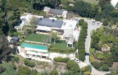 ryan seacrest house ryan seacrest net worth tells it how rich a celebrity can be