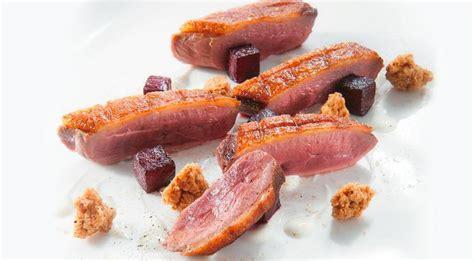 cucinare germano reale ricette con anatra il petto rosa di germano reale di