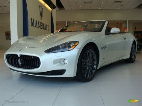 white maserati rear 2010 maserati granturismo white 200 interior and