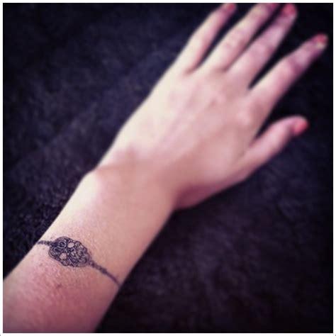 tattoo design bracelet skull tattoo tattoo love pinterest