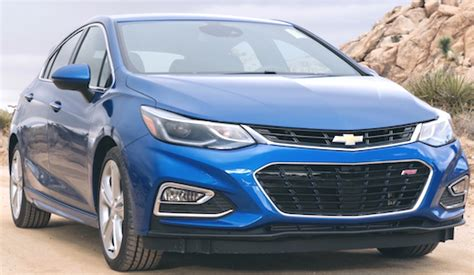 2019 chevrolet cruze pictures gm authority 2019 chevy cruze hatchback cars authority