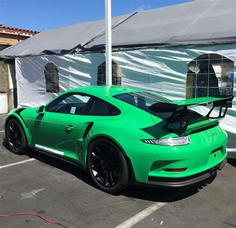 porsche signal green 17 best ideas about porsche 991 gt3 rs on pinterest