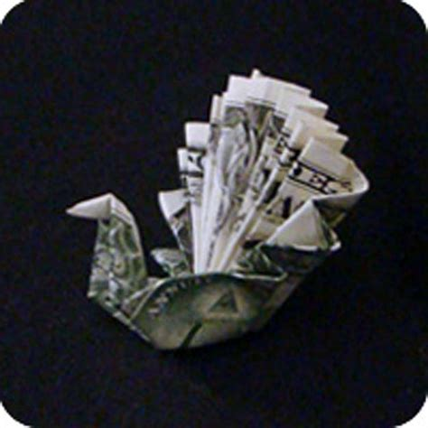 Money Origami Peacock - 25 awesome money origami tutorials