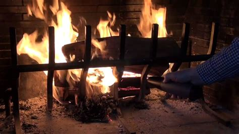 Starting A Wood Burning Fireplace by Review How To Start Your Wood Burning Fireplace Easy And Fast With The Fiair Blower