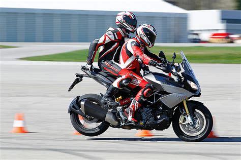 Motorrad Kommunikation Mit Sozius by Messungen Motorradtests Top Test Aprilia Caponord 1200