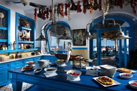Il Riccio ? Stylish Waterfront Restaurant In Capri