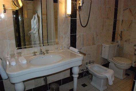 bagno stile liberty il bagno in stile liberty picture of le meridien grand