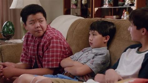 fresh off the boat hotel episode fresh off the boat season 4 episode 1 welcome to hotel
