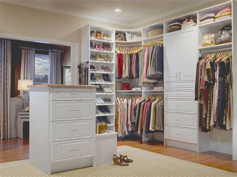 Buy Built In Wardrobes - the brilliant benefits of built in wardrobes