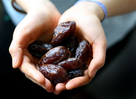 a date 7 innovative staples for your vegan pantry well