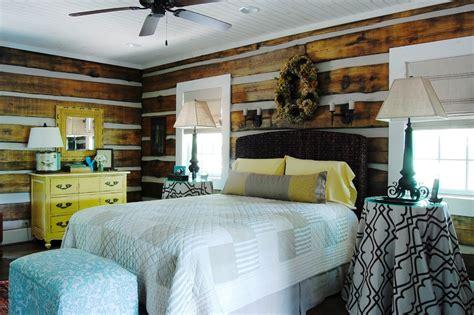 was ist ein hauptschlafzimmer das rustikale interieur design einem berg blockhaus in