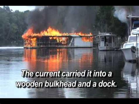 houseboat fire florida houseboat fire youtube