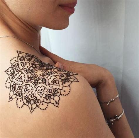 tattoo mandala hombro m 225 s de 25 ideas incre 237 bles sobre tatuaje en el hombro de