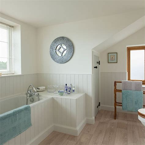 panelled bathroom ideas check out this country style bathroom wooden panelling country style bathrooms and photo