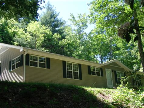 houses for sale franklin nc franklin nc homes for sale 1946 middle creek rd otto 28763