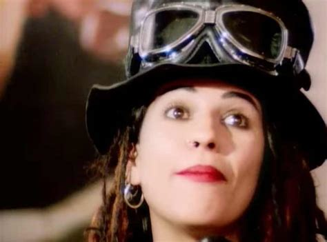 linda perry in flight lyrics 4 non blondes what s up