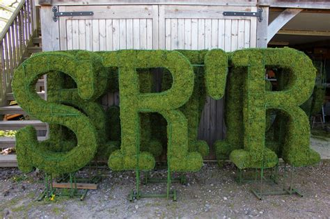 topiary letters topiary letters and numbers agrumi bespoke topiary