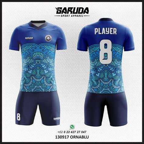desain kaos keren warna biru bikin jersey bola baju futsal motif batik garuda print