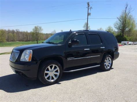 2010 gmc yukon denali nav dvd loaded milton ontario used car for sale 2148227 sell used 2010 gmc yukon denali awd navigation dvd sunroof new tires in cbellsville