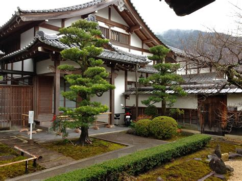 traditional japanese house on washitsu