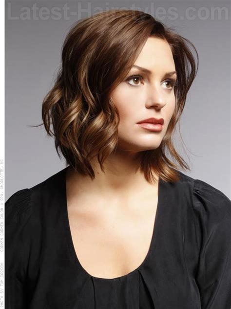 hairstyles for upside down triangle faces 26 perfect medium hairstyles for heart shaped faces