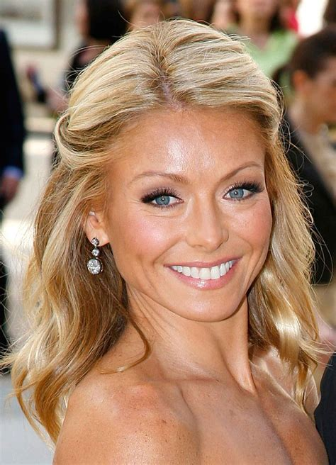 how does kelly ripa style her hair kelly ripa m a k e u p b e a u t y pinterest kelly