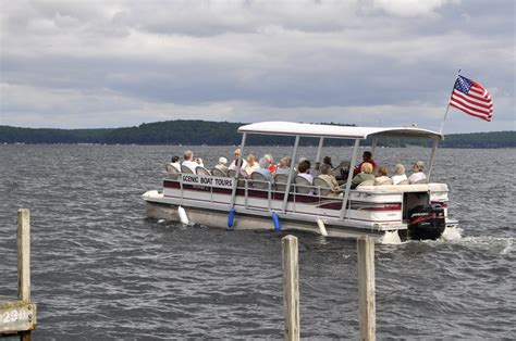 lake wallenpaupack motor boat rental hiking boating golfing and family time in the pocono