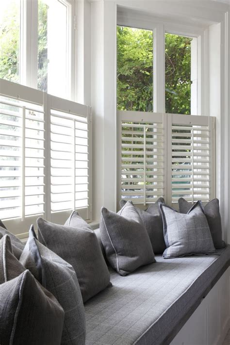 curtains that cover bottom half of window 25 best ideas about half window curtains on pinterest