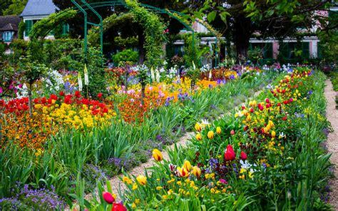 Visiting Gardens Monet S Gardens At Giverny France Monet Flower Garden