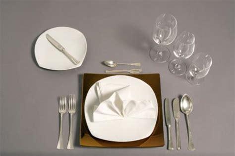 Wie Decke Ich Einen Tisch Knigge