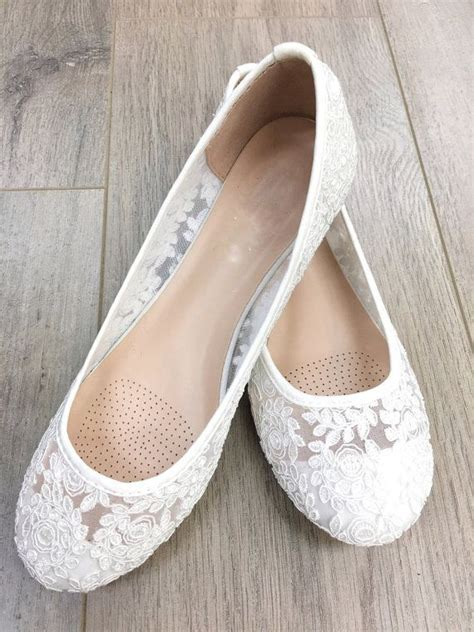 white flat wedding shoes best 25 white ballet flats ideas on comfy