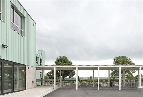 designboom school dierendonckblancke colors belgian primary school in mint green