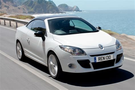 new renault megane sedan new renault m 233 gane coup 233 cabriolet to hit uk showrooms in july