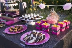 deco buffet table d 233 coration anniversaire adulte id 233 es sur le buffet et le
