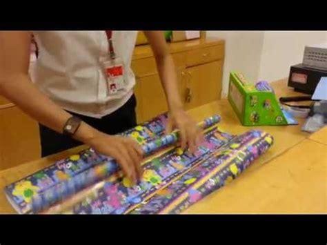 tutorial bungkus kado bentuk baju cara membungkus kado doovi